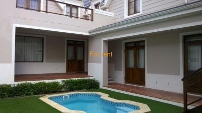 House with heated pool available in Onrus