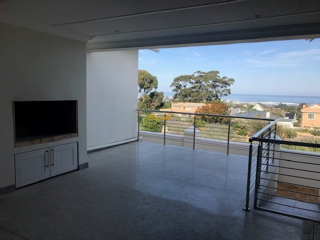 Sea view in safe security estate